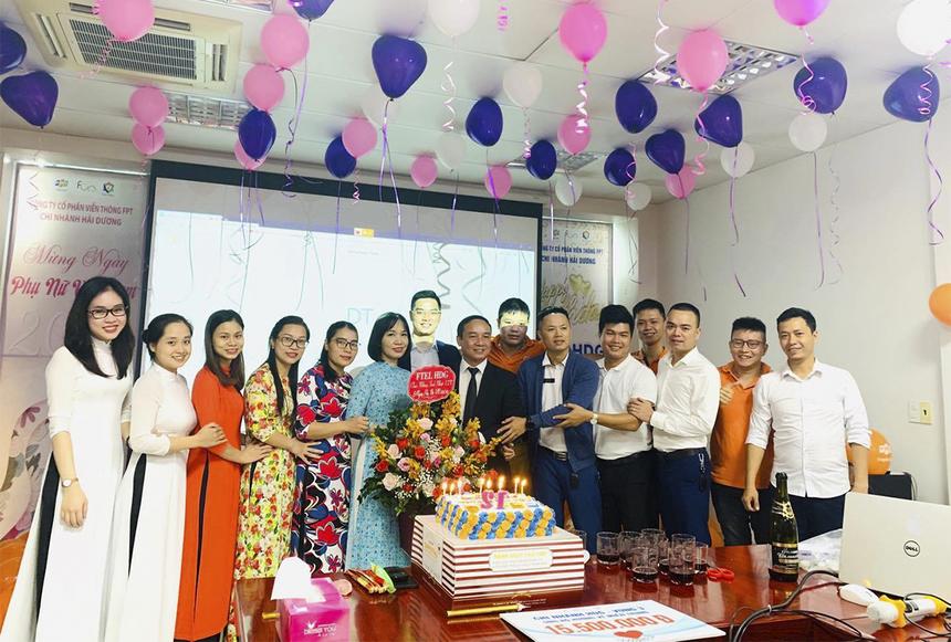FPT Telecom chi nhánh Hải Dương đã tổ chức tặng quà cho CBNV nữ và vận động quyên góp được gần 16 triệu đồng ủng hộ quỹ.