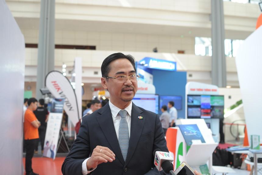 Tại diễn đàn, ông Phan Thanh Sơn -Giám đốc Phát triển Kinh doanh FPT IS đã có cuộc trao đổi ngắn gọn với kênh VTV1 - Đài truyền hình Việt Nam với chủ đề Quốc gia số.