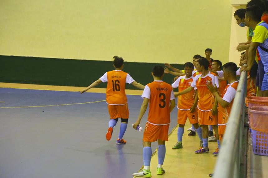 Dương Thái Phương, Đoàn Nhật Hạ và Nguyễn Duy Quốc là ba cầu thủ đã lập công, giúp Vùng 5-1 giành chiến thắng đậm 3-0 trước INF, chiếm vị trí thứ 2 bảng A sau lượt trận thứ nhất.