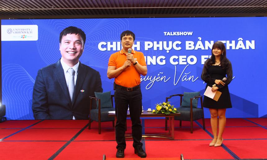 Tại đây, anh Nguyễn Văn Khoa đã chia sẻ về những câu chuyện chinh phục bản thân, những bài học kinh nghiệm trên con đường vượt qua thử thách. Từ một cậu bé có giấc mơ được lái máy bay, đến việc đầu quân về FPT và trở thành CEO như bây giờ.