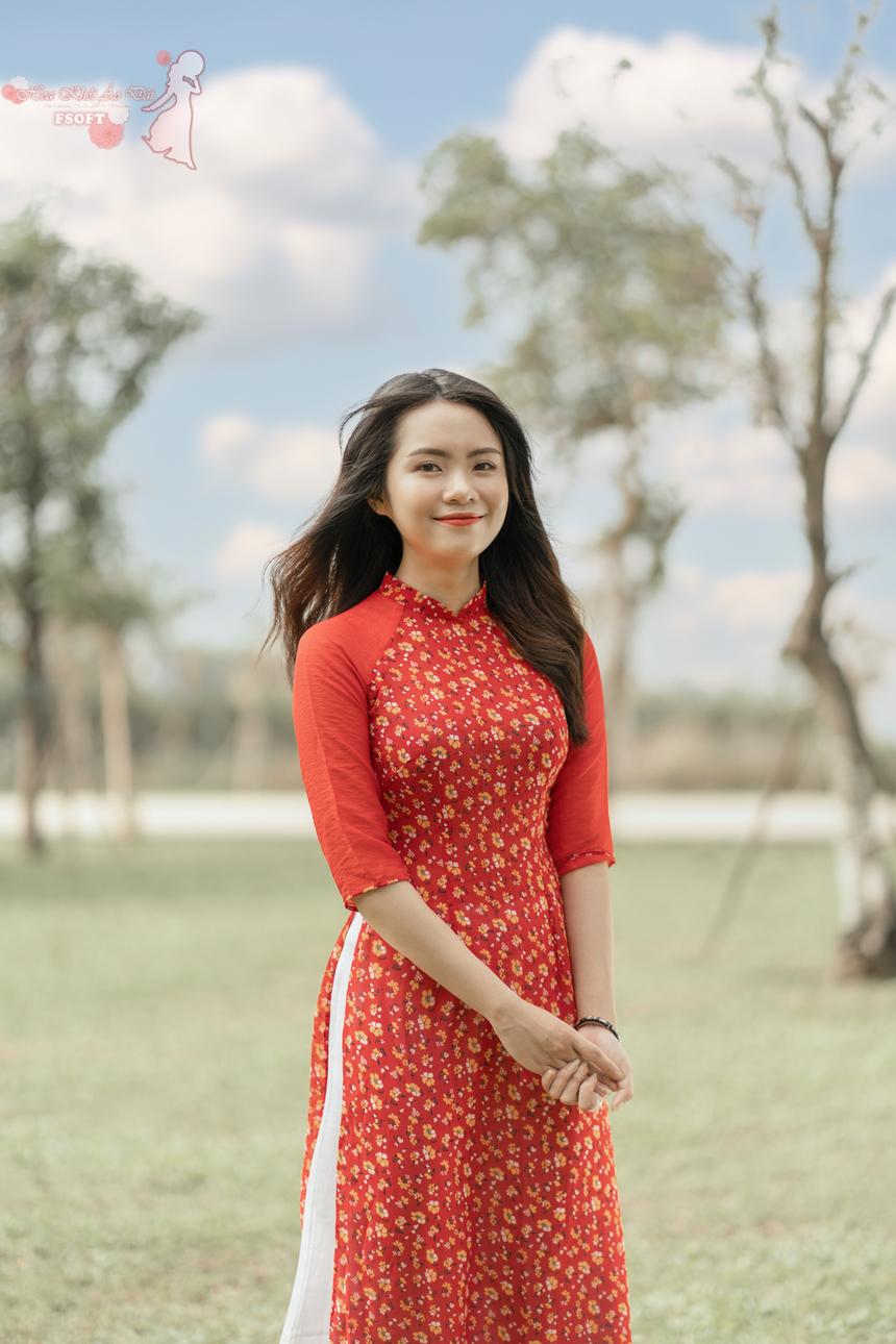 """BTC cũng trao giải Nhì cho Phan Ngọc Đỗ Quyên, một đại diện của miền Trung, khi cô nàng có 2.700 lượt bình chọn hợp lệ. Quyên là đại diện nhận được sự cổ vũ, ủng hộ rất nhiều của các đồng nghiệp. Nhiều bạn bè """"nhiệt tình"""" đến mức liên tục chia sẻ và kêu gọi mọi người bình chọn cho Quyên."""