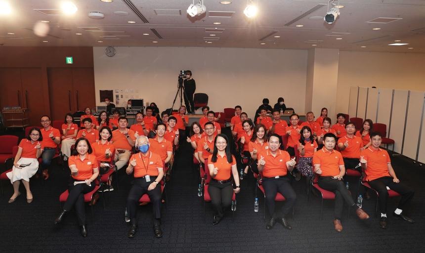 """Home đã tái hiện lại hành trình mở cõi đầy tự hào với những con người điển hình đang ngày đêm """"Dream IT - Do IT"""". Cùng với tập thể người FPT Japan, chương trình còn có những người thân và gia đình tham gia kết nối."""