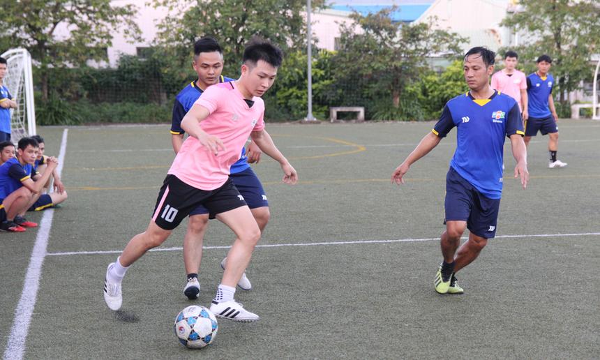 Thế trận sau đó được đẩy lên cao. Hai đội chơi ăn miếng trả miếng. Phút thứ 30, FPT Telecom tiếp tục có bàn thắng nhân đôi cách biệt nhờ công của cầu thủ số 11 Nguyễn Phước Tường. Đây cũng là một trong những cầu chơi năng nổ nhất trên sân.