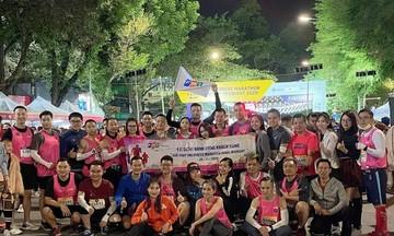 Viễn thông Quốc tế FPT cùng khách hàng chạy xuyên đêm Hà Nội