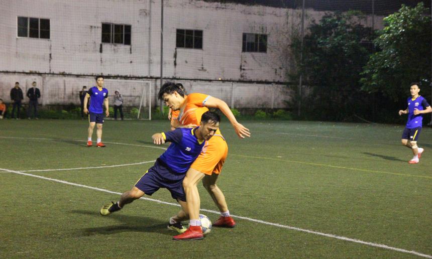 Phút thứ 49, cầu thủ số 6 Nguyễn Văn Đông tiếp tục ghi tên mình bằng bàn thắng nâng tỉ số lên 3-0. Lúc này, FPT Telecom như chạm 1 tay chắc chắn vào chiếc cup vô địch.