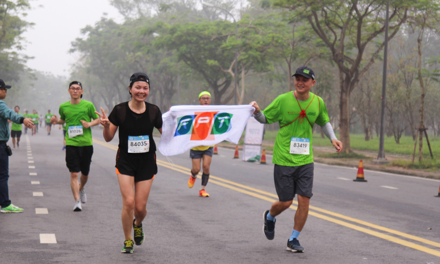 Runner nhà F từ khắp ba miền đã góp mặt ở tất cả cự ly 5km, 10 km, 21 km và 42 km. Trong đó, quy tụ rất đông đồng nghiệp tại TP Đà Nẵng, Huế lần đầu tham dự giải.