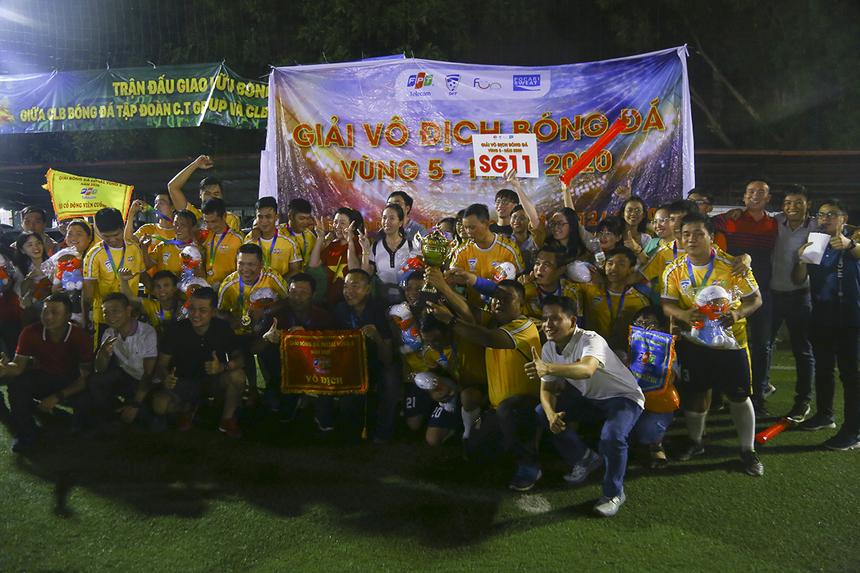 Đội SG11 lên ngôi vô địch giải bóng đá Vùng 5 FPT Telecom đầy thuyết phục với thành tích toàn thắng từ vòng bảng.