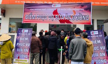FPT Telecom Huế tặng hàng trăm bữa ăn '0 đồng' đến người dân