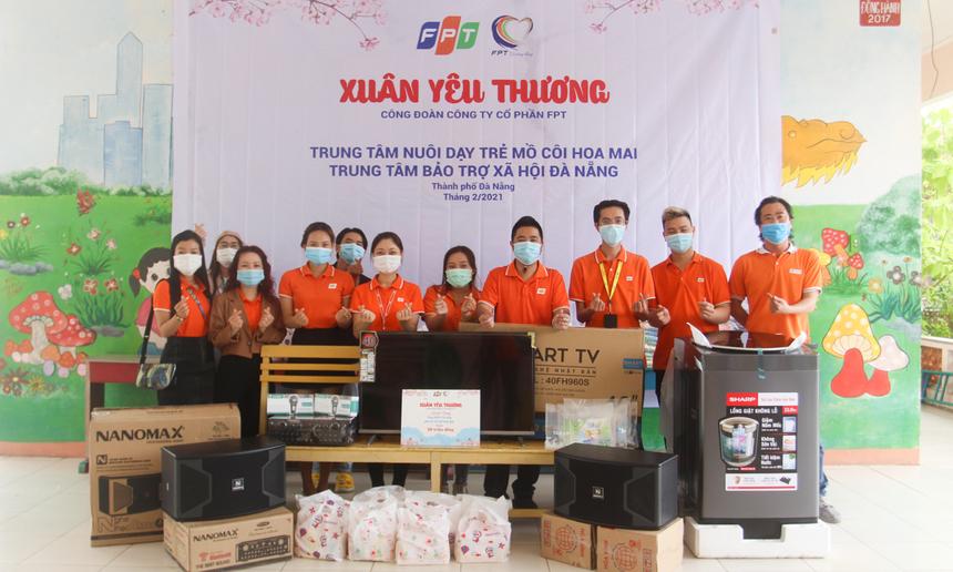 """Trung tâm nuôi dạy trẻ mồ côi Hoa Mai, TP Đà Nẵng là điểm đến tiếp theo của chuyến hành trình mang """"Xuân yêu thương"""" của FPT lan toả khắp 3 miền."""