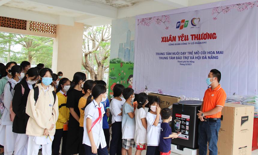 Đây là chương trình do Công đoàn FPT phát động, nhận được sự chung tay của đông đảo người FPT trên cả nước; bằng việc ủng hộ hiện vật hay mua bao lì xì để gây quỹ tặng quà cho các em nhỏ, những hoàn cảnh đang con gặp khó khăn nhân dịp xuân Tân Sửu.
