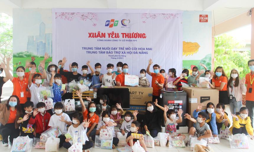 """Trong ngày 7/2, chương trình """"Xuân yêu thương"""" sẽ tiếp tục đến với Trung tâm bảo trợ xã hội TP Đà Nẵng, viết tiếp cuộc hành trình mang quà dành tặng những hoàn cảnh đang gặp khó khăn trên cả nước."""