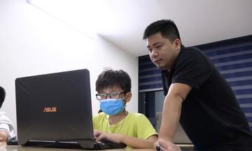 'Ông giáo' nhà F dạy lập trình miễn phí cho trẻ em