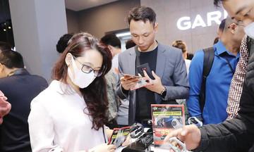 FPT Shop cán mốc doanh thu 400 triệu đồng sau 3 giờ khai trương Garmin Brand Store