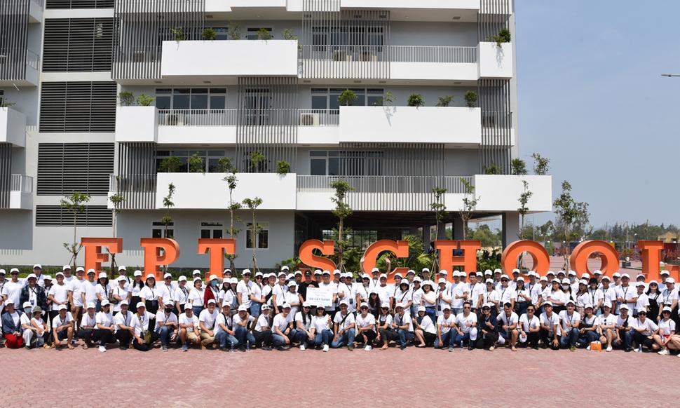 Cá nhân xuất sắc và người thân chung tay ươm mầm xanh cho nhà F Đà Nẵng