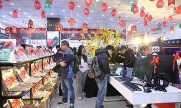 FPT Shop tăng trưởng gấp đôi trên thị trường bán lẻ laptop