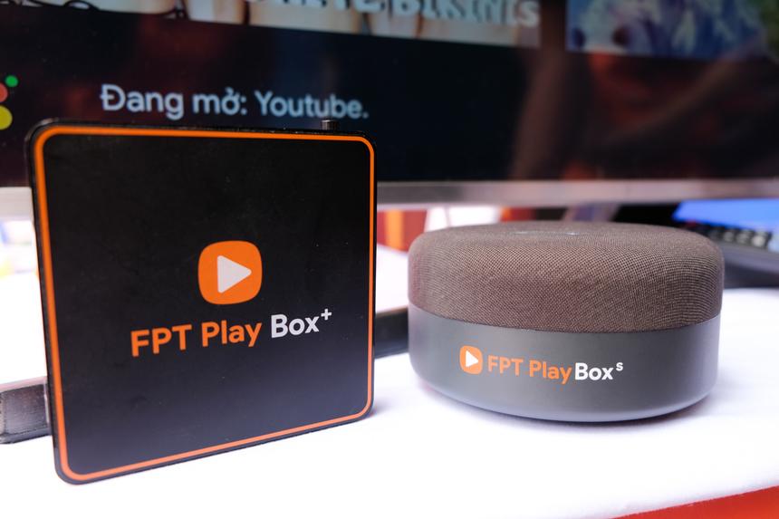 Đặc biệt, 'siêu phẩm' FPT Play Box S vừa được FPT Telecom ra mắt cũng có mặt tại sự kiện lần này. Đây là thiết bị đầu tiên trên thế giới kết hợp TV Box và loa thông minh. Sản phẩm được trang bị nhiều tính năng đột phá, tối ưu hóa hiệu năng, hiệu suất và nâng cao trải nghiệm.