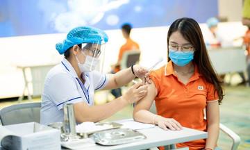 Hơn 8.800 người FPT tiêm vaccine Covid-19