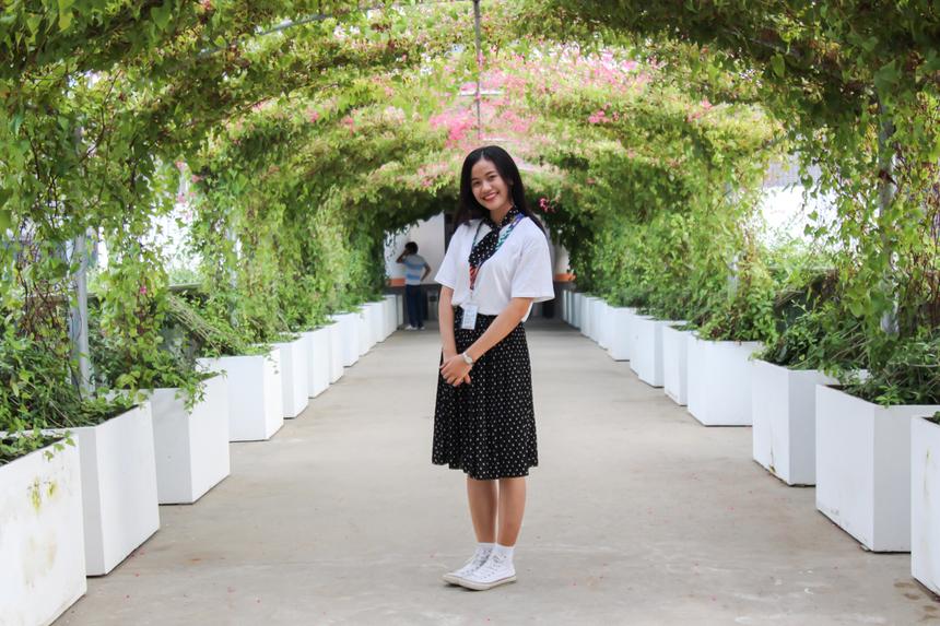<p> Việc gia nhập FPT không chỉ giúp Linh có những trải nghiệm mới, cô nàng còn hy vọng sẽ học hỏi thêm nhiều điều từ các anh chị đồng nghiệp, được làm việc trong môi trường xanh, hiện đại và tích luỹ thêm nhiều kinh nghiệm cho bản thân.</p>