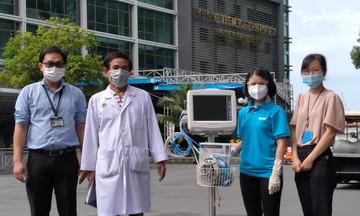 Quỹ nhà F tặng máy monitor hỗ trợ điều trị Covid-19