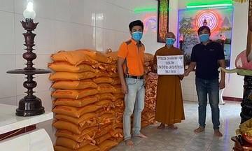 FPT Telecom Ninh Thuận hỗ trợ 1 tấn gạo cho người dân khó khăn mùa dịch