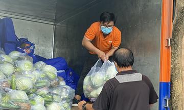 FPT tặng 16 tấn rau củ đến người yếu thế trong dịch Covid-19
