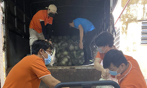 Những người FPT tình nguyện 'bốc vác' bất đắc dĩ giữa mùa dịch