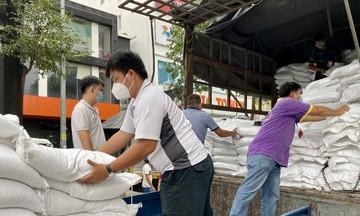 FPT tặng hơn 8.000 'túi gạo nghĩa tình' tới tâm dịch TP HCM