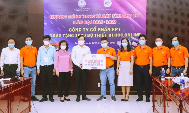 FPT tặng 1.000 thiết bị học trực tuyến cho học sinh Đà Nẵng