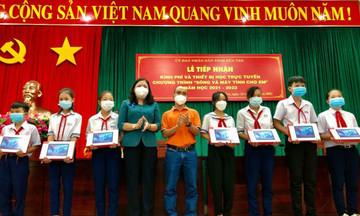 FPT trao 449 máy tính hỗ trợ học sinh nghèo Bến Tre